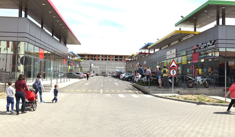 La-Strada-Street-Mall-Concept-Popesti-Leordeni-(6)